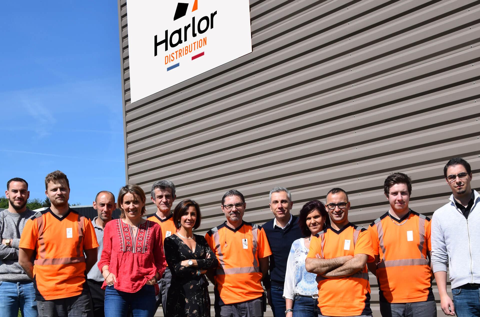 HARLOR DISTRIBUTION MATERIEL TRAITEMENT DE SURFACE DES METAUX POMPE equipe