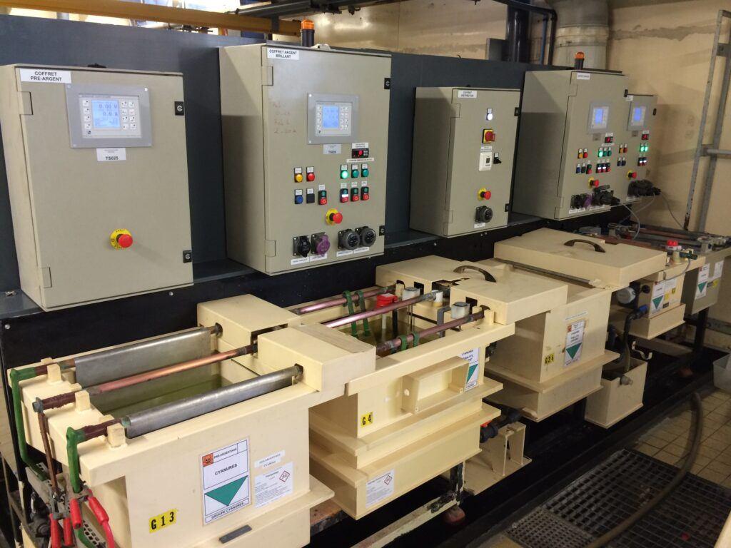 Modernisation/Remplacement des pupitres de commandes et des redresseurs de courant continu pour du traitement de surface des métaux